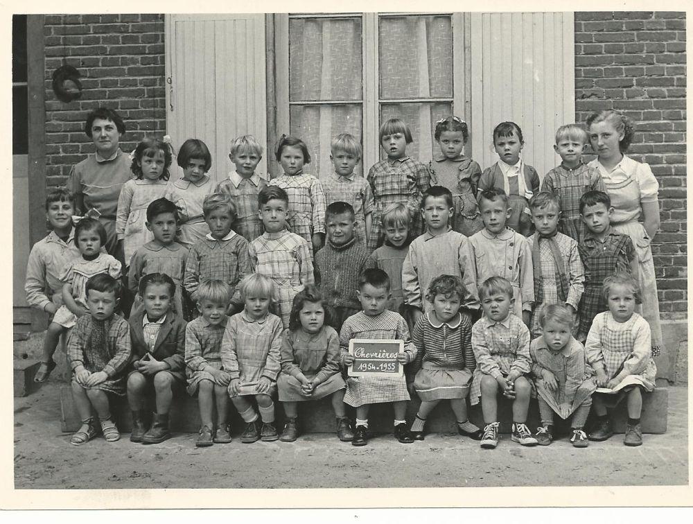 Photo d\'écoles (années 30-40-50) - Mairie de Chevrières